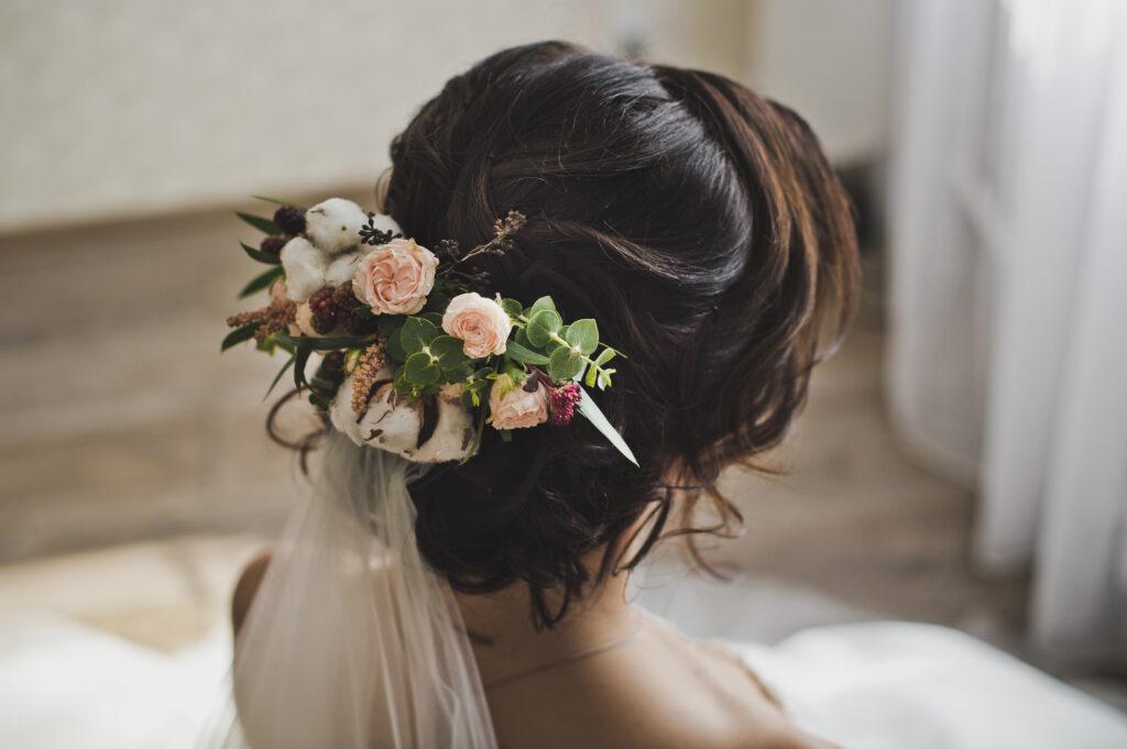 Hochsteckfrisur - Hochzeit & Make-Up - Friseursalon Pervin